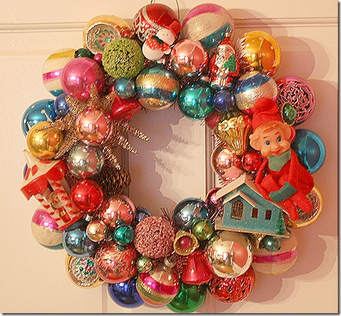 Vintage-christmas-ornaments-into-christmas-wreath
