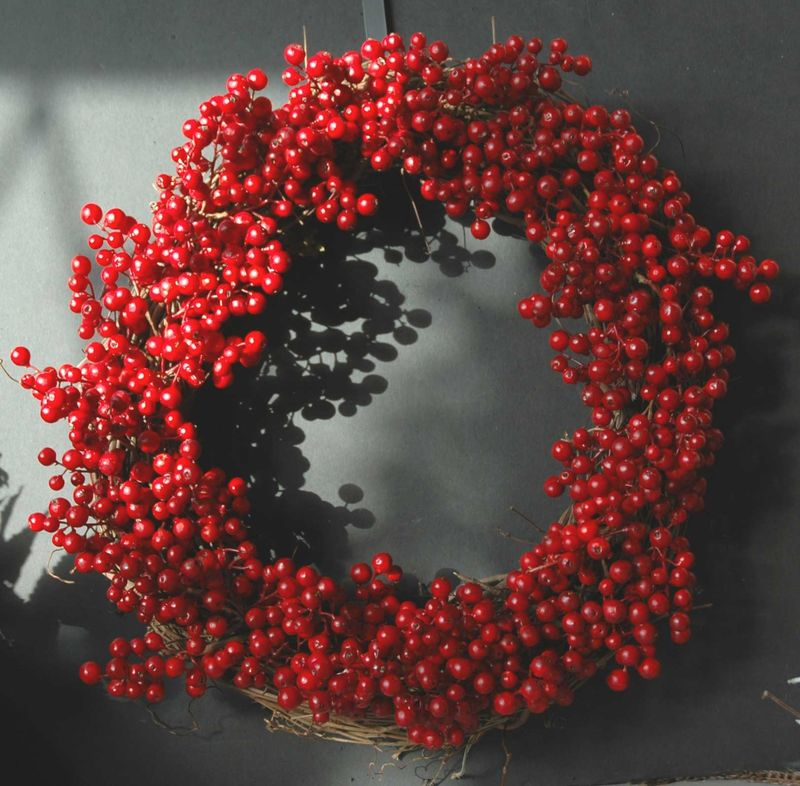 Wreath christmas red berries 11-09